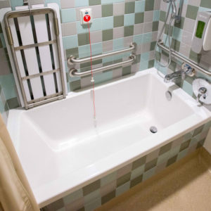 Deep bath tub in Family Birth Center bathroom